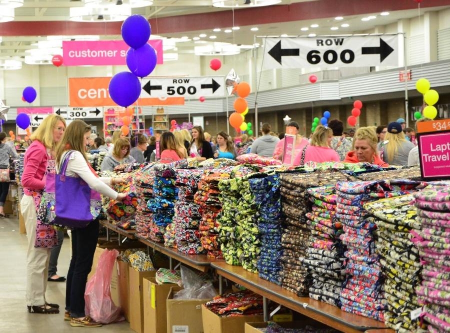 Vera Bradley Outlet Sale Sample Sale In West Allis